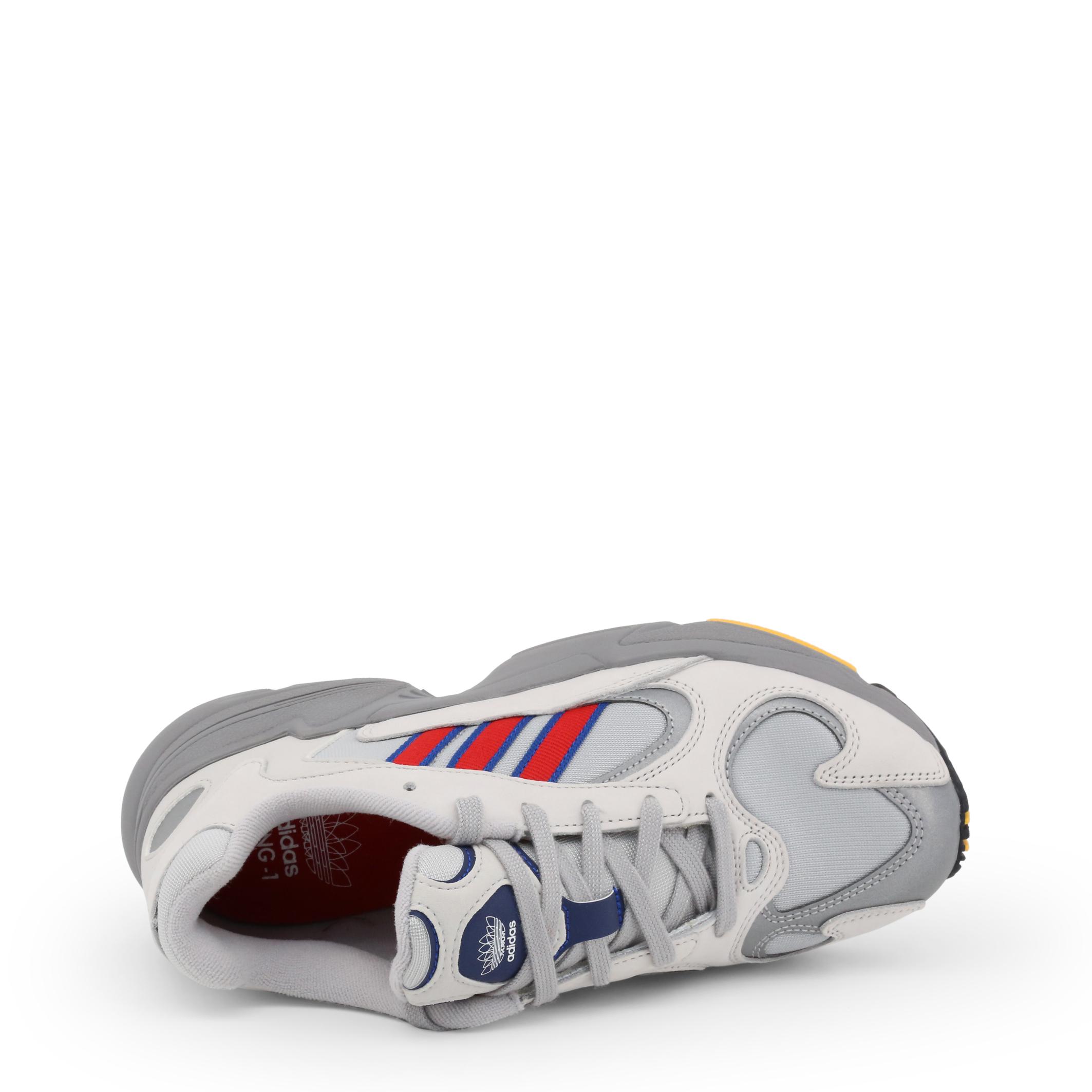 Baskets / Sport  Adidas YUNG-1 grey
