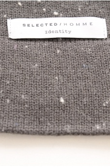 SELECTED: LOUI BEANIE ID