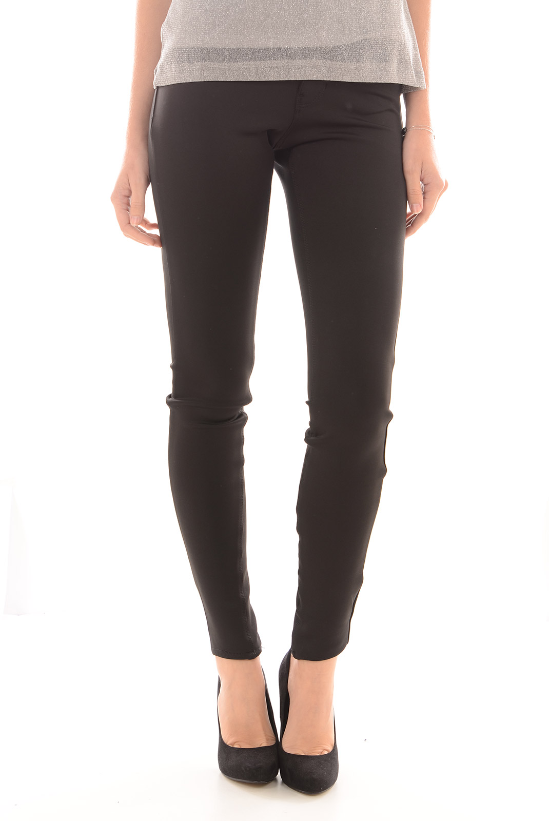 Pantalons  Vero moda SEVEN NW SUPER SLIM SCUBA BLACK