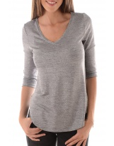 BETSY 3/4 CURVED V-NECK TOP ESS