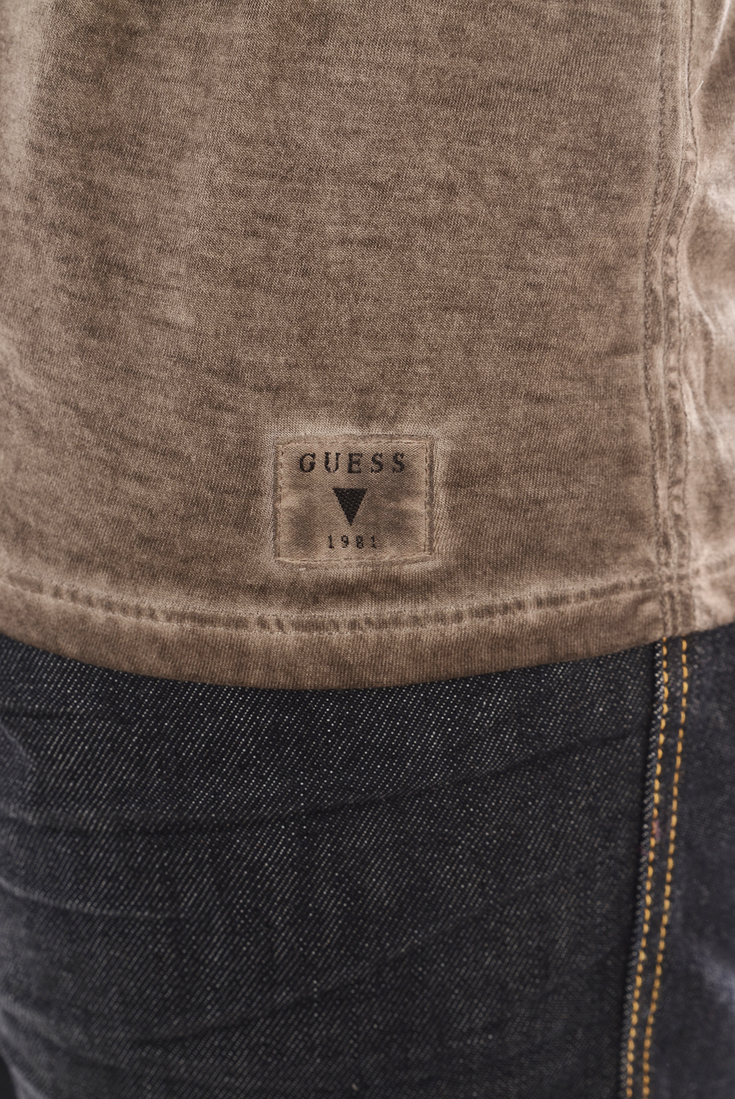 Tee-shirts  Guess jeans M44I30I5Y00 D144 TAUPE