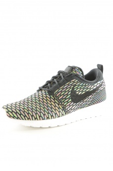 677243 ROSHE FLYKNIT - MARQUES NIKE