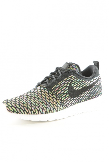 MARQUES NIKE: 677243 ROSHE FLYKNIT