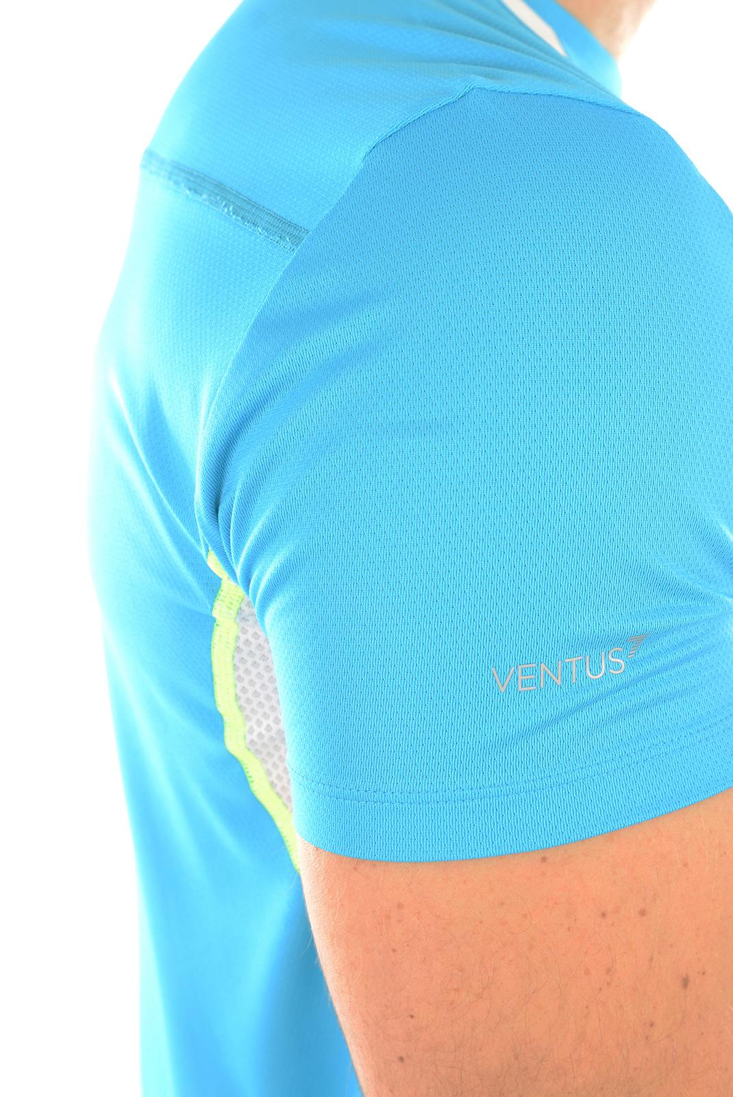 Tee-shirts manches courtes  Emporio armani 273972 6P667 BLUE 00032