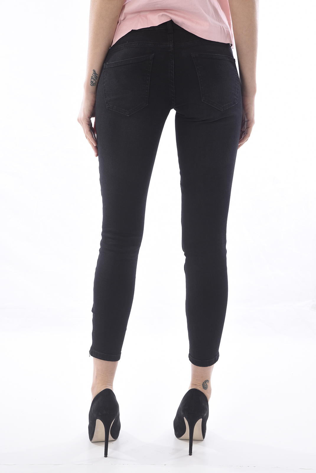 FEMME  Noisy May EVE LW SS ANKLE JEANS NOOS BLACK