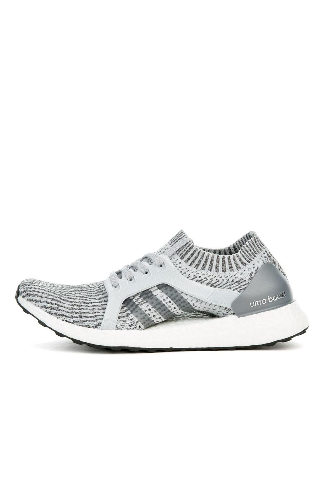 Baskets / Sneakers  Adidas BB1695 ULTRABOOST X GREY