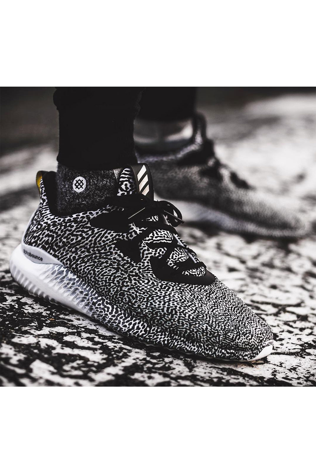 Baskets / Sneakers  Adidas B54367 ALPHABOUNCE W ARAMIS NOIR