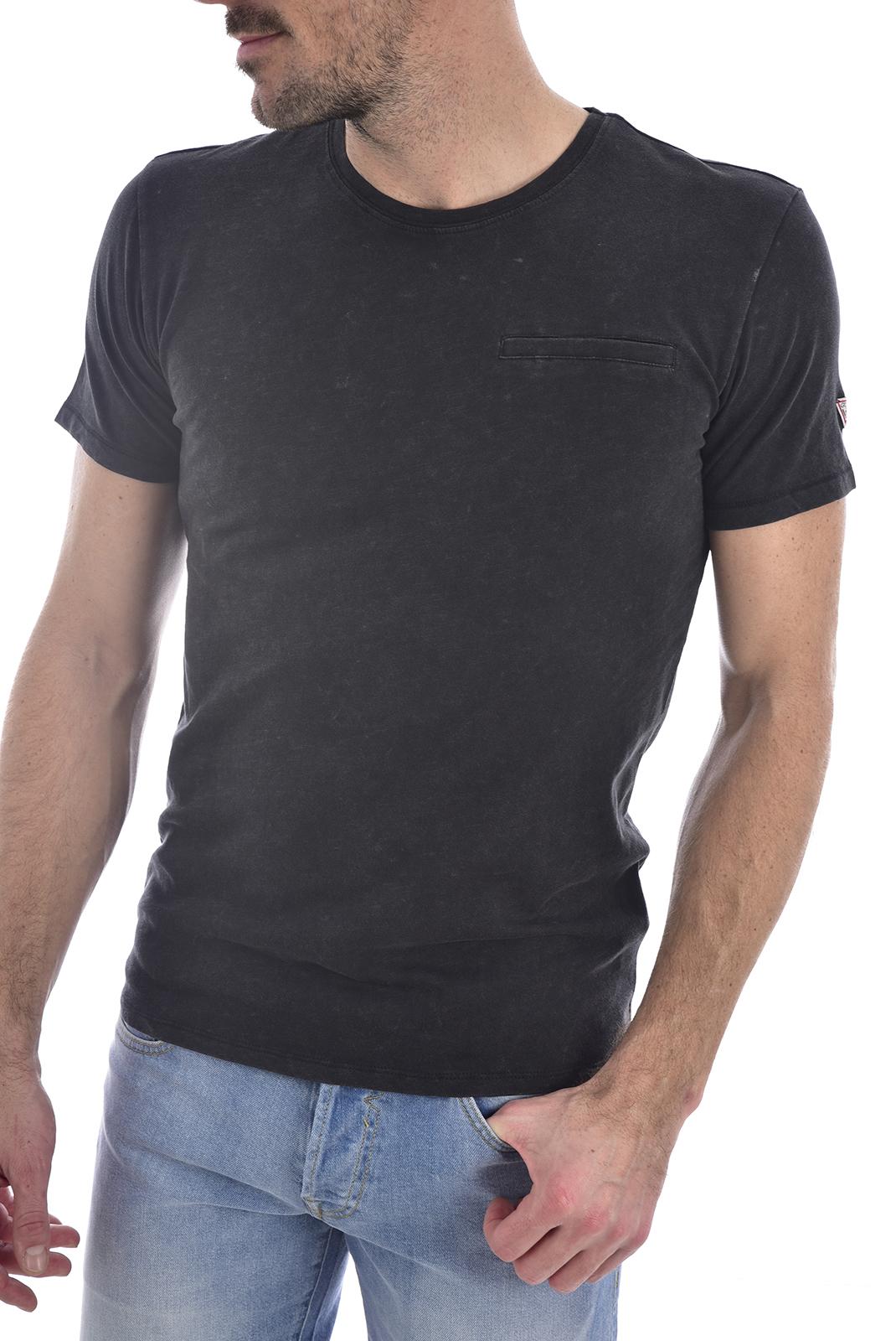 T-S manches courtes  Guess jeans M0GI54 K6XN0CN SS POCKET Jet Black A996