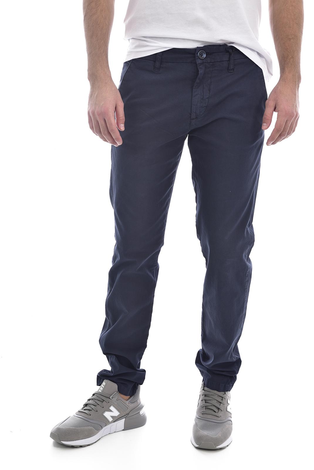 Pantalons chino/citadin  Guess jeans M02B26 WCRK1 MYRON G720 BLUE NAVY