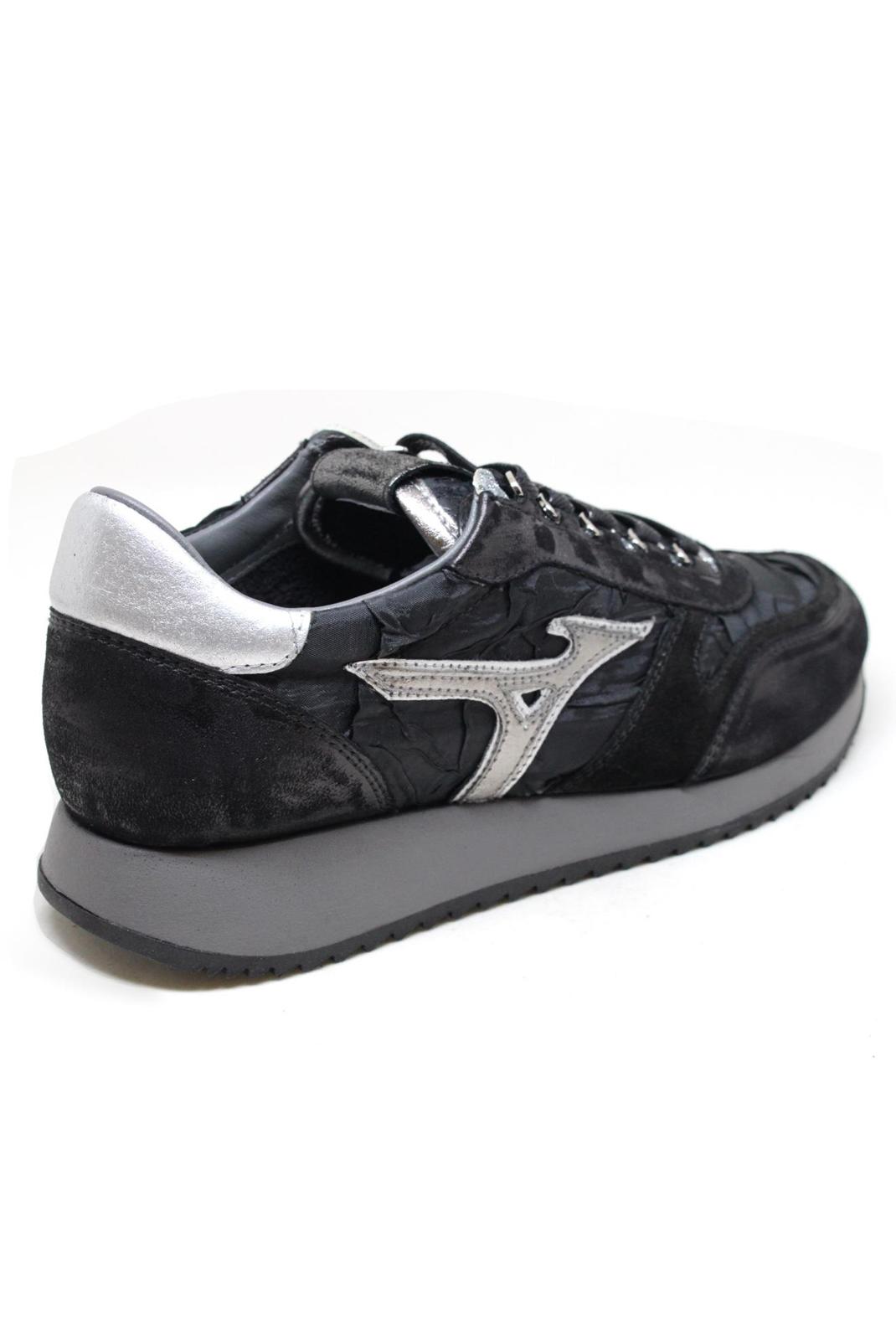 Baskets / Sneakers  Mizuno D1GE180709 NAOS 2 WOS BLACK/BLACK/SILV