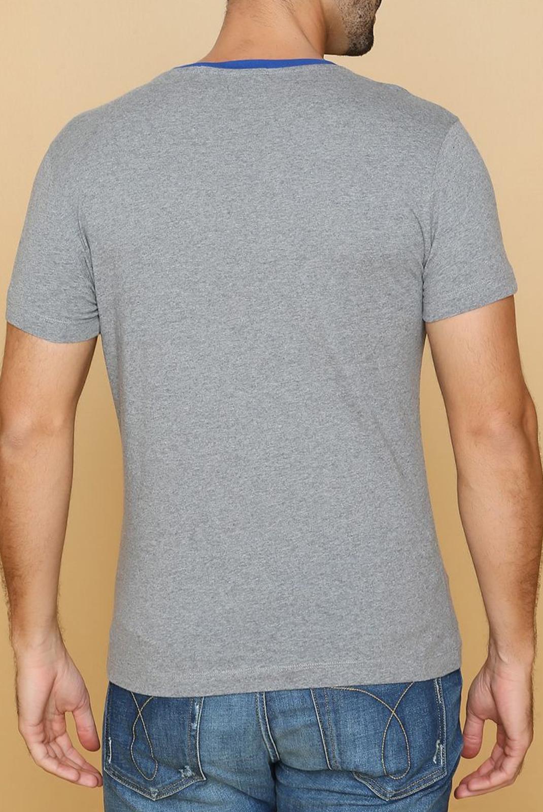 Tee-shirts  Calvin klein J30J313242 039 GRIS